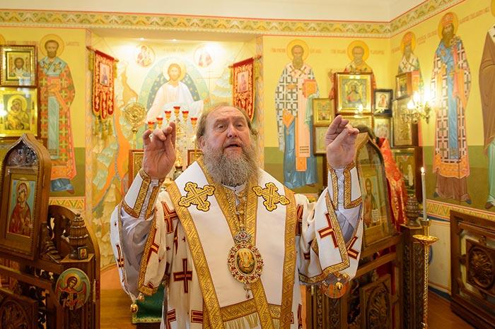 Митрополит Александр совершил Литургию в Иверско-Серафимовском храме митрополичьей резиденции в Алма-Ате